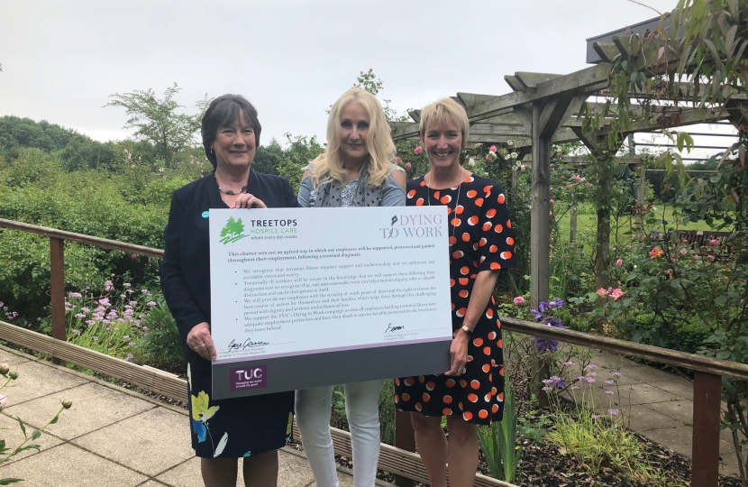 Pauline Latham OBP MP visits Treetops Hospice